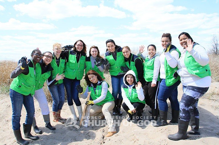 World Mission Society Church of God, WMSCOG, Cleanup, Jamaica Bay, Beach, Environment, Environmental Cleanup, Volunteer, New York, Passover, American Littoral Society, Heavenly Mother