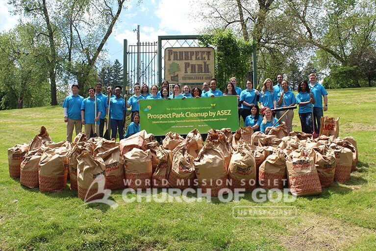Group shot of ASEZ volunteers during their Prospect Park cleanup in Troy, NY